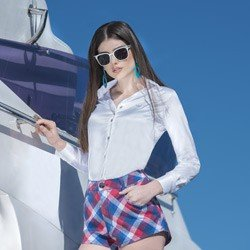 detalhe camisa cetim branca feminina principessa aurea look conceito como usar