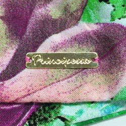 detalhe camisa cropped feminina principessa iohana floral placa