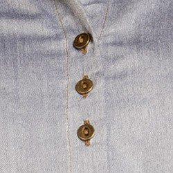 detalhe vestido jeans principessa olivia botao