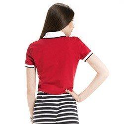 detalhe camisa polo feminina vermelha logo principessa modelagem