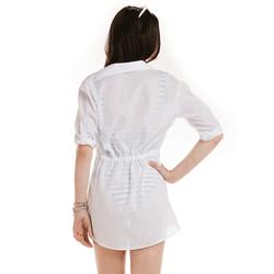 detalhe saida de praia branca elegante feminina principessa antonela corpo look costa