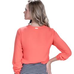 detalhe blusa feminina laranja com babado look modelagem