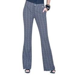 detalhe calca flare cintura alta estampada leydna look completo