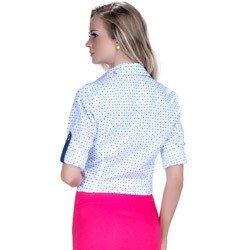 detalhe camisa branca estampada geometrica tecido algodao modelagem