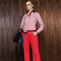 camisa social classica listrada vermelho principessa joanina look completo