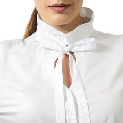 camisa branca com laco principessa perola detalhe gola