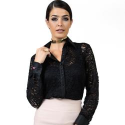 detalhe camisa de renda preta social principessa larissa look