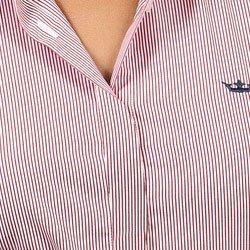 detalhe camisa premium listada principessa charlize vista coberta punho
