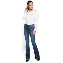 detalhe calca flare jeans claro cintura media denim zero look completo
