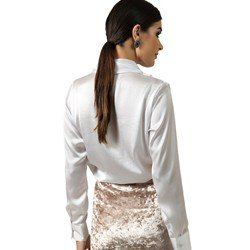 blusa transpassada branca aurora decote v corte tecido