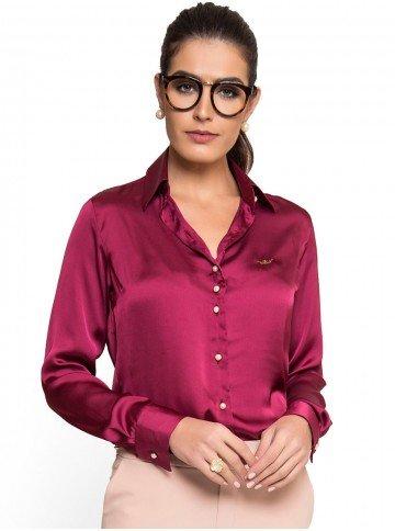 camisa marsala feminina de cetim principessa liliana botao perola look