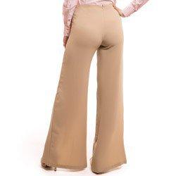 calca pantalona com fenda bege principessa edith placa metal abertura look detalhe costa