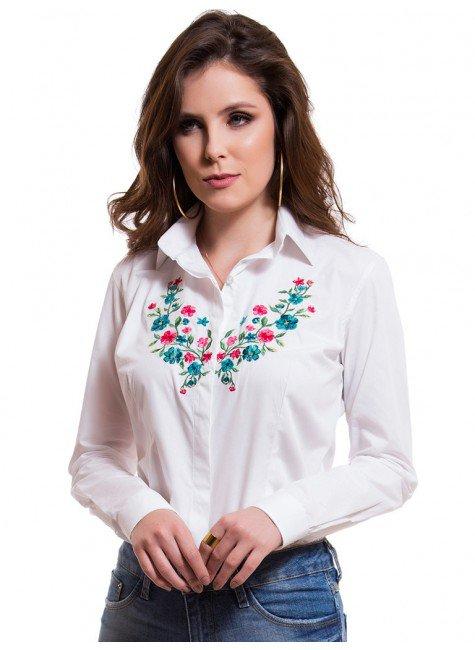 camisa feminina branca bordado floral principessa lilian look