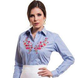 camisa social listrada com bordado floral principessa mirela detalhe look