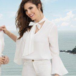 blusa gola de laco manga flare off white principessa megan tendencia