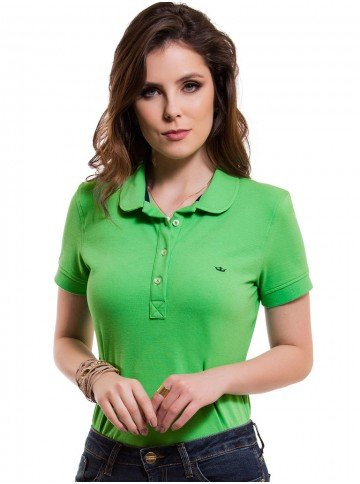 camisa polo feminina verde principessa ariel look