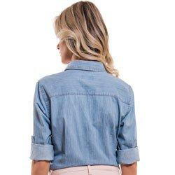 camisa jeans claro feminina principessa vauza aviamento dourado detalhe modelagem costa