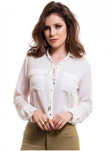 camisa com amarracao feminina principessa joaquina bolsos aviamento onix look