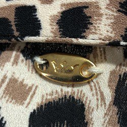 camisa feminina animal print onca principessa justina detalhe acabamentos