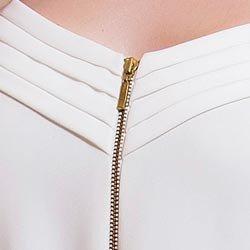 macacao longo off white feminino principessa chiara detalhe decote