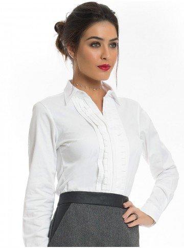 camisa feminina branca com drapeado principessa benita look