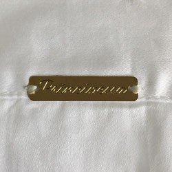 camisa feminina branca com drapeado principessa benita detalhe placa