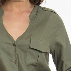 camisa verde militar feminina principessa janine detalhe lapela