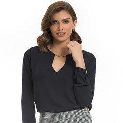 blusa feminina preta decote v principessa ariela detalhe look