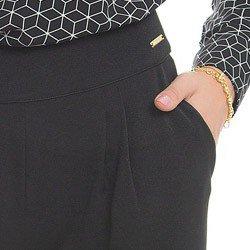 calca pantalona preta principessa lourdes detalhe acabamento
