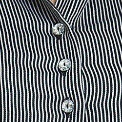 camisa listrada preta premium principessa tatiana detalhe botao cristal