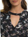 camisa gola choker floral preto principessa sabrina decote
