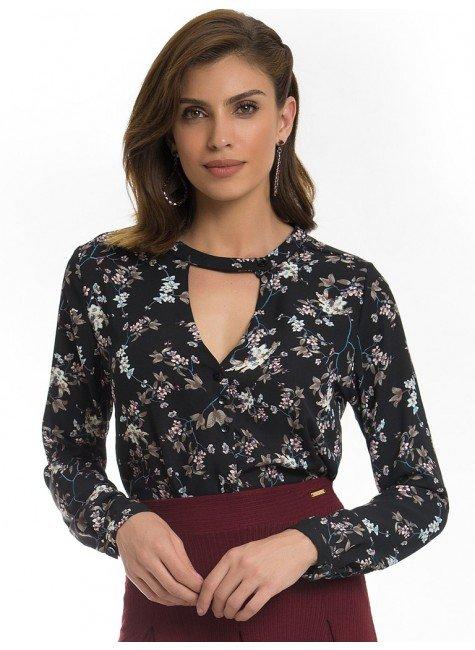 camisa gola choker floral preto principessa sabrina look