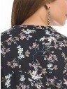 camisa gola choker floral preto principessa sabrina placa