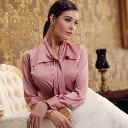camisa rosa antigo feminina de cetim principessa miriam detalhe look conceito