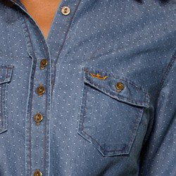 camisa jeans fem maquinetada principessa emma detalhes