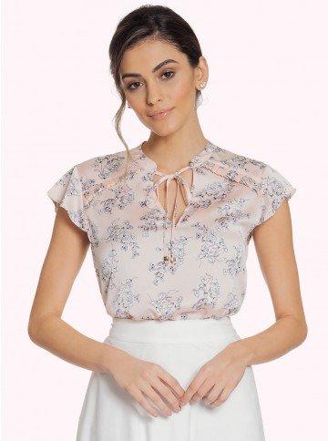 blusa feminina floral rose principessa alaiane fundo rosa