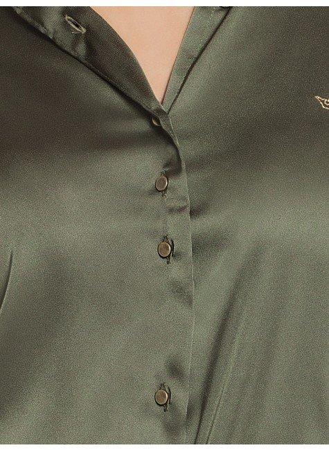 250fd03434 ... camisa de cetim feminina verde militar social principessa daiana botao  ...