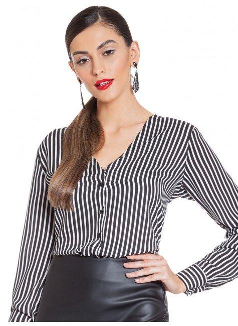 d8cde0d69 Camisa Feminina Listrada com Decote V Principessa Iracema