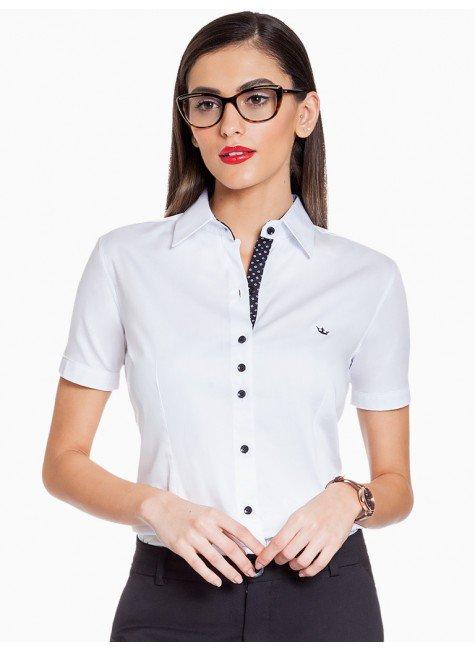 camisa branca principessa crislaine frente fundo