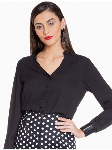 camisa preta com detalhes em couro principessa stephanie frente