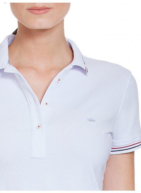 ee6481623a ... camisa polo branca principessa kerin detalhe ...