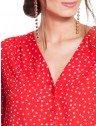 camisa vermelha de poa principessa caterin frente detalhes