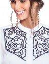 camisa social branca com bordado preto principessa magda frente detalhes