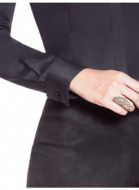 bb2e924bc1 ... camisa social preta com bordado branco principessa antonieta frente  detalhes 2 ...