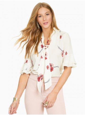 blusa off white floral principessa carmen frente