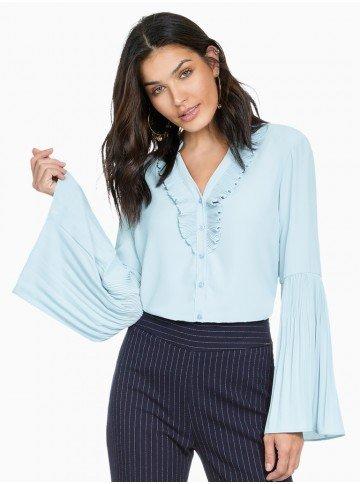 camisa feminina azul com plissados principessa michelle frente