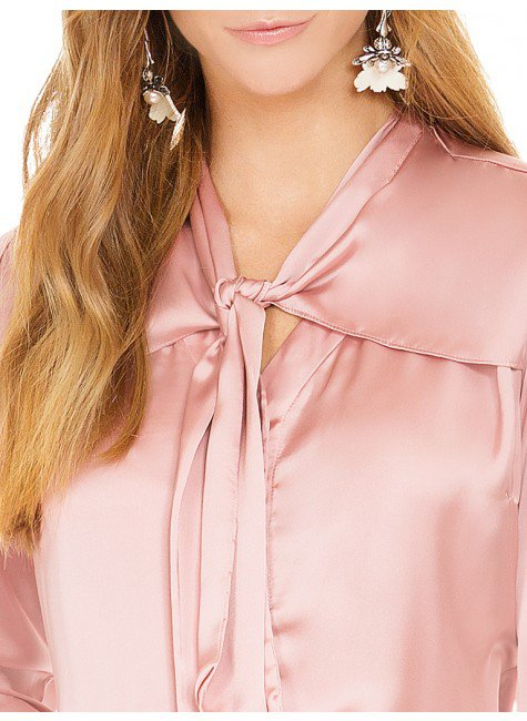 de63e9c7d ... camisa de cetim rose principessa miriam decote gola laco ...