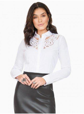 camisa branca com bordado vazado principessa naiana frente