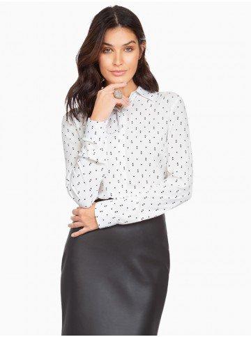 3cd11a0fac camisa off white estampada principessa cibele frente com fundo