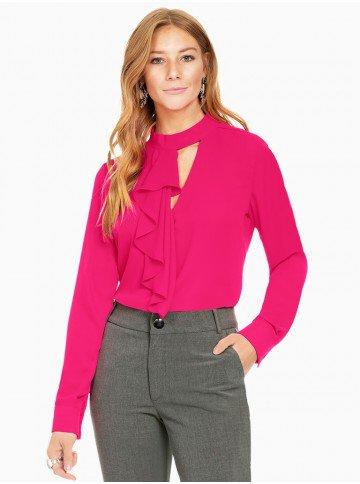 blusa pink com babados principessa edna frente com fundo